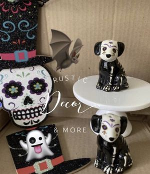 Sugar Skull Shakers For Your Tier Trays for Sale in Tampa, FL