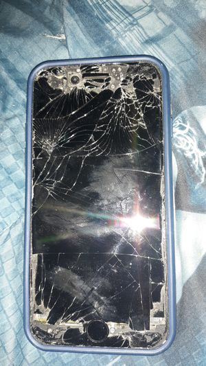 iPhone 7 needa new screen that's it ! for Sale in Baltimore, MD