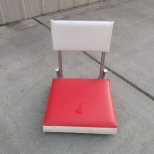 Red White Travel Stadium Bleacher Seat for Sale in Fresno, CA