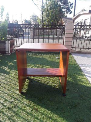 Small desk for Sale in Pomona, CA