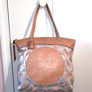 Coach Large Tote Bag for Sale in Arlington, VA