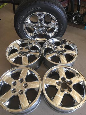 """OEM 17"""" CHROME WHEELS SET OF 5 FOR 03-04 JEEP GRAND CHEROKEE for Sale in Tucson, AZ"""