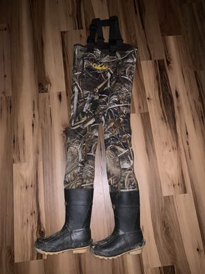 Youth waders w/boots size 4 Cabela's. Reinforced knees camouflage for Sale in Painesville, OH