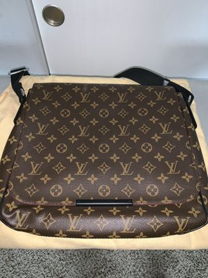Louis Vuitton Computer Bag for Sale in Columbus, OH