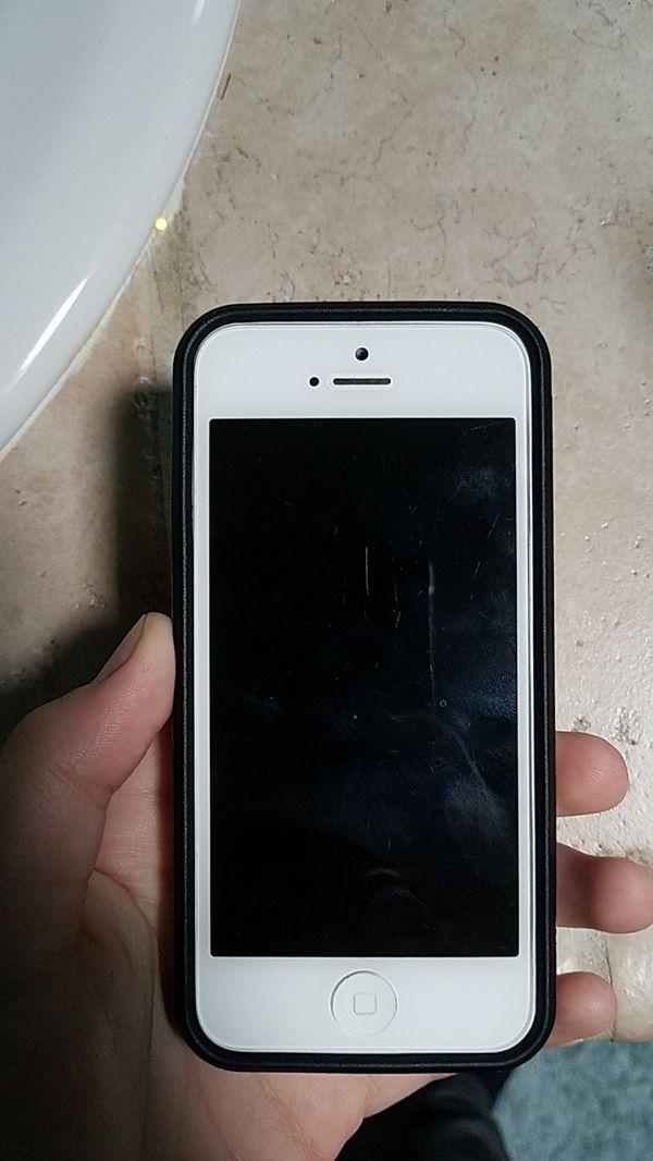 iPhone 5 (locked)