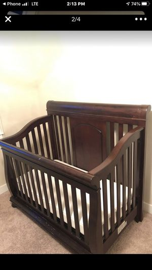 Full standard crib kids-baby bed for Sale in Kent, WA