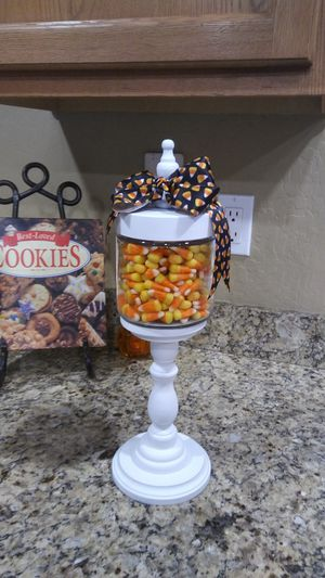 Apothecary jar, candy jar, decoration for Sale in Queen Creek, AZ