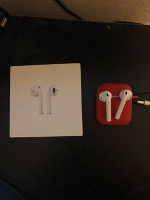 Apple AirPods barely used with case for Sale in Sacramento, CA