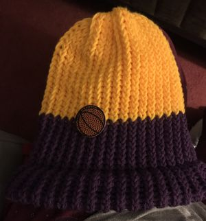 Knitted hat $4 only pick up please for Sale in Fontana, CA