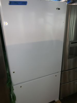 New Amana 33in. Bottom freezer refrigerator with 6 months warranty (scratch & dent) for Sale in Baltimore, MD