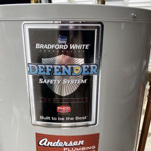 Bradford White RG240T6N Water Hetar for Sale in Arlington Heights, IL