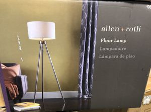 Floor Lamp NEW IN BOx for Sale in Dearborn, MI