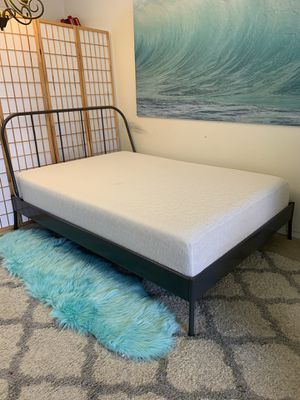 Full platform bed frame with memory foam mattress for Sale in Seattle, WA
