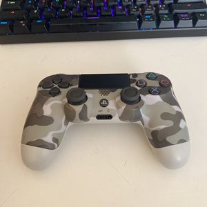 Ps4 Controller for Sale in Valley Center, CA
