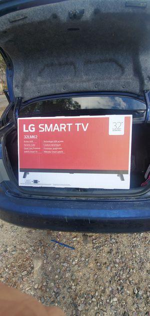 32 INCH LG SMART TV for Sale in Escondido, CA