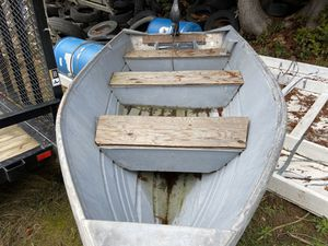 13 foot boat for Sale in Tulalip, WA