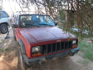 andy 480*453*5216 jeep cherokeebis bad transmission for Sale in Chandler, AZ