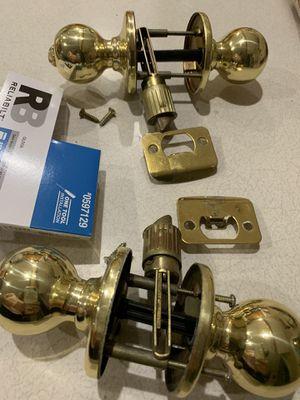 2 door knobs for Sale in Clackamas, OR