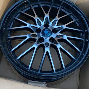 Bolt pat 6x139.7 Offset 12 Size 20x9.0 Style keyhole C.B 112 Matte black for Sale in Brooklyn, NY