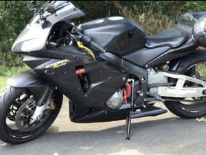 Honda CBR600 2003 (helmet included with purchase) for Sale in Philadelphia, PA