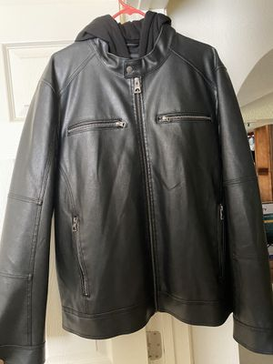 Guess Leather Jacket w/ hoodie for Sale in Glendale, AZ