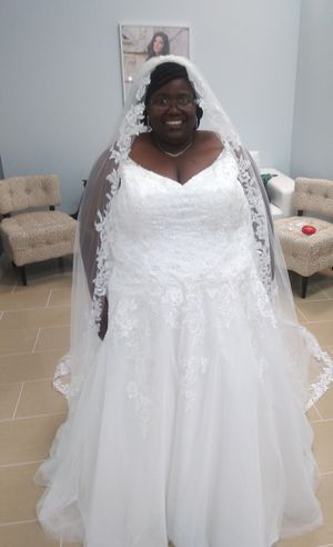 Ella Rosa plus Size Wedding Dress for Sale in Raleigh, NC