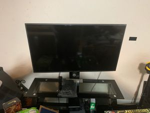 SAMSUNG TV 50+ inches with stand for Sale in Orlando, FL