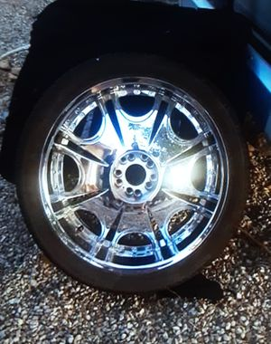Four 24 inch chrome rims in excellent condition for Sale in Las Vegas, NV