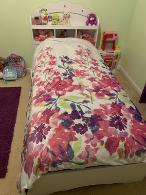 Twin bed for Sale for sale  Lawrenceville, GA