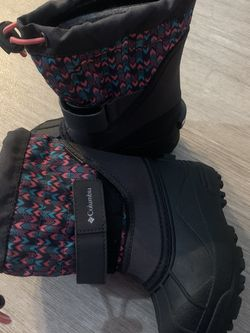 Snow Boots For Little Girls for Sale in Richmond,  CA
