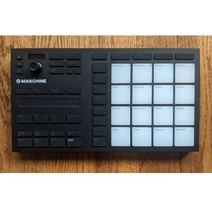Native Instruments Maschine Mikro Mk3 w/software for Sale in Portland, OR