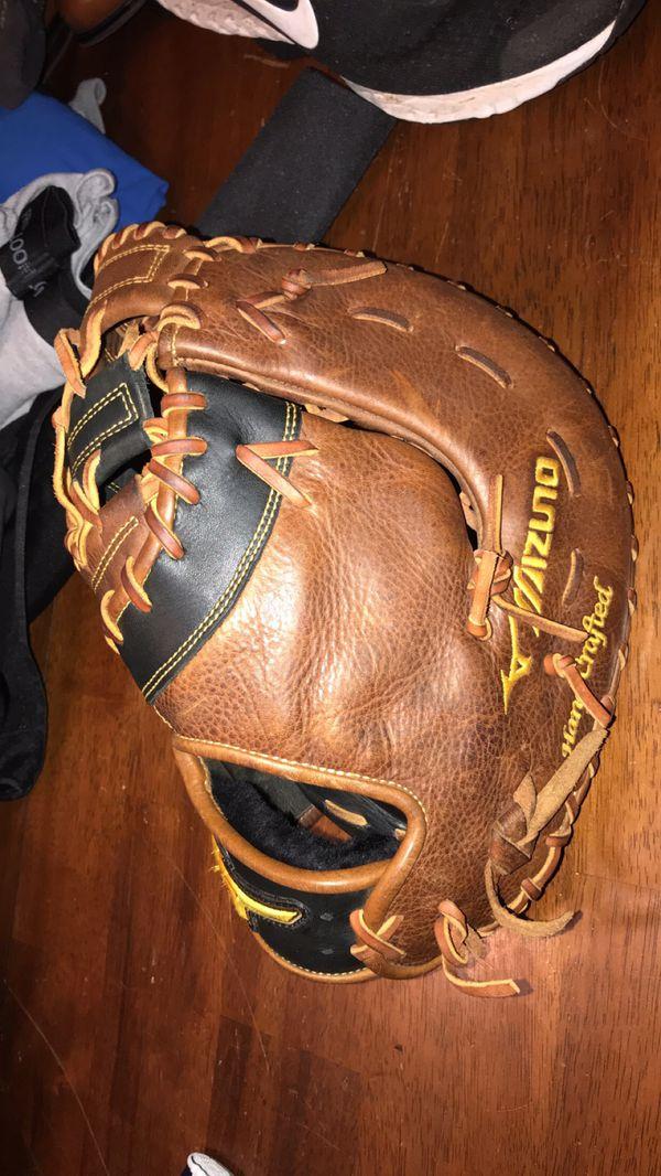 Mizuno Left-handed first-base glove