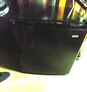 Kenmore mini fridge for Sale in Saint Charles, MO