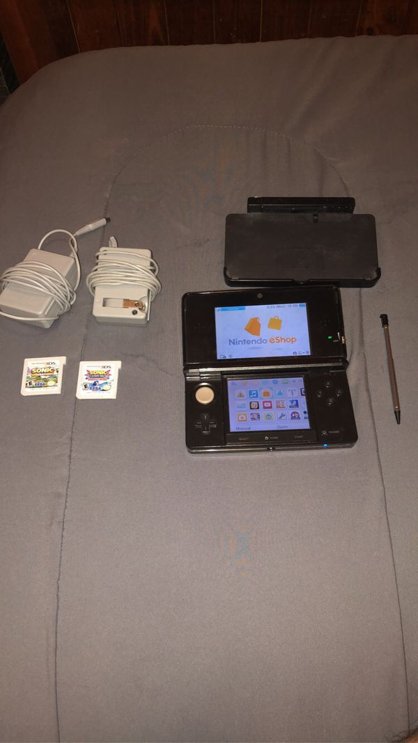 Nintendo 3DS! (Comes with extras!)