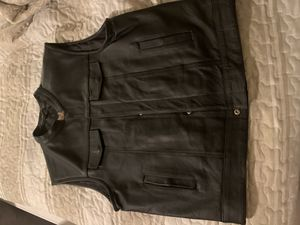 XL men's classic club black leather vest for Sale in Rancho Cucamonga, CA