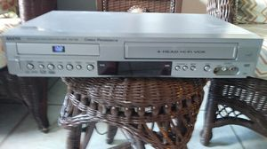 VCR/CD player for Sale in Lake Worth, FL
