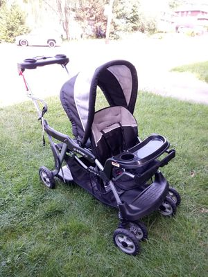 Baby Trend sit-n-stand double stroller for Sale in Pittsburgh, PA