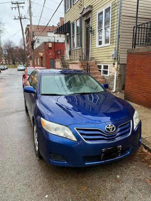 Camry Toyota 2010 LE 201300 miles Price 3500 for Sale in Toledo, OH