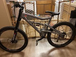 "26 ""Santa Cruz "" Bullit Downhill Mountain Bike for Sale in Fresno, CA"