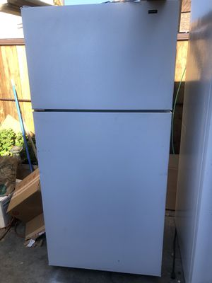 Fridge works great for Sale in Inglewood, CA