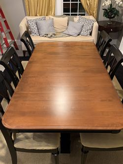 Dining room table for 6 for Sale in Glenwood,  MD