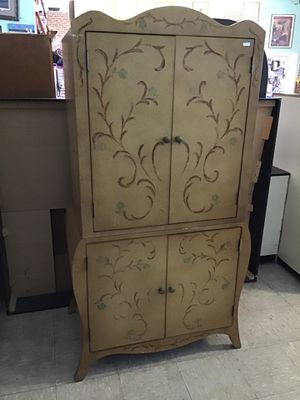 Wardrobe Style TV Cabinet for Sale in Hertford, NC