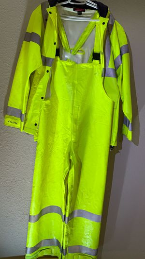 FRC RAIN SUIT - LARGE for Sale in Pasadena, TX