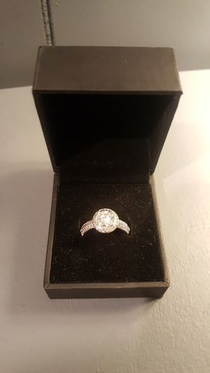 1.00 ct white gold engagement ring for Sale in Raytown, MO