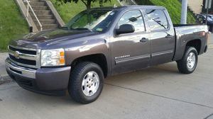 2010 Chevy Silverado LT crew cab for Sale in Pittsburgh, PA