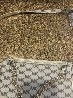 Michael Kors Small Purse for Sale in Vancouver,  WA