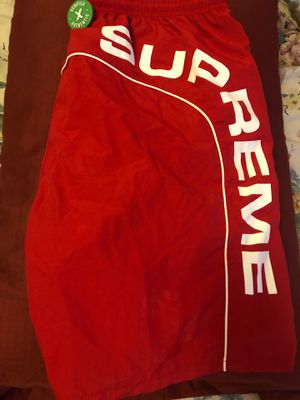 Supreme shorts never worn just was sitting in closet paid $300 for them verified Authentic stock x officials for Sale in Philadelphia, PA