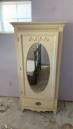 Antique mirror cabinet for Sale in Buena Park, CA