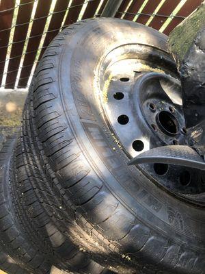 Michelin 215/60R16 tires 120 for Sale in Sacramento, CA