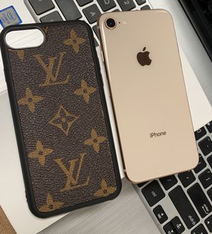 iPhone 8 with designer case and accessories for Sale in Columbus, OH